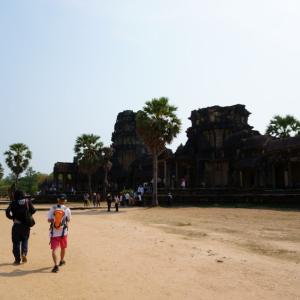散策⑬「カンボジアのアンコール遺跡/SONY SELP1650 f/3.5-5.6 OSS」