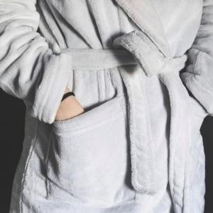 あなたはバスローブ着る派?本当にあった怖い話
