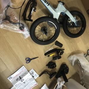 子供の誕生日用に、嫁が頼んだ自転車の組み立てを依頼されました