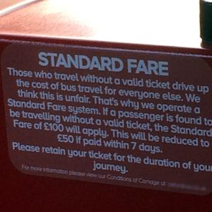 【番外編】イギリスのバスでのトラブル。バス運転手との会話にイライラ。