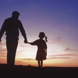 家族の形はそれぞれだが、、、変な家族と父の涙