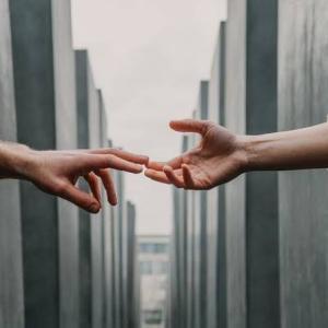 壁のありすぎる2人〜気持ちだけでは乗り越えられない現実〜