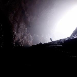 【詩】音楽の洞穴に逃げ込みたいのだ