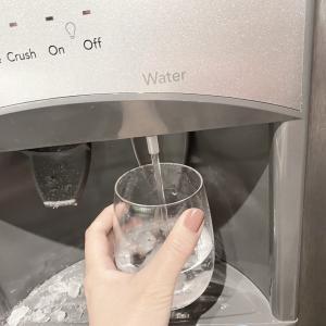 冷蔵庫から冷水と氷が出るなんて!これは便利すぎて日本も導入すべき!