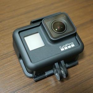 【GoPro HERO7 Black(CHDHX-701-FW)レビュー】価格やアクセサリーも紹介します!