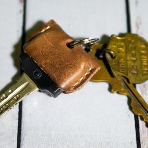 CHAOS ホーウィン社クロムエクセルレザー製「キーカバー」鍵番号の漏洩も防げる
