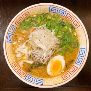 餃子と麺 いせのじょう 桑園高架下店@桑園 胡麻とニラの辛口ラーメン