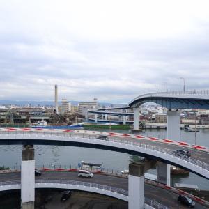 両岸ループの千本松大橋、通称「めがね橋」、やっぱ大阪