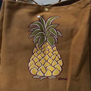 夏・秋を感じる のハワイのバッグ