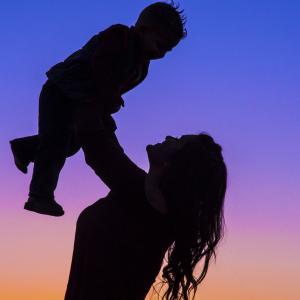 息子の家庭を否定した母