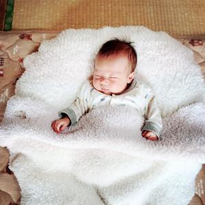 【体験談まとめ】赤ちゃんの向き癖の治し方(直し方)