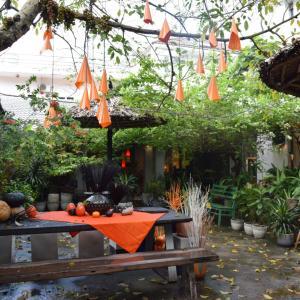 【ベトナム・ホーチミン旅行】2区のカゴバッグ店「hansry」と、食器店巡り。