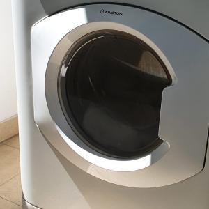 洗濯機の修理【シンガポール賃貸コンド】
