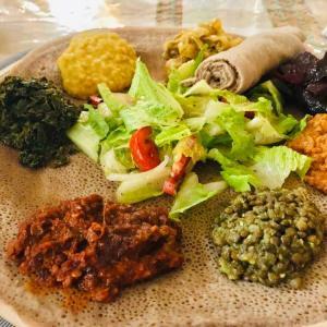 エチオピア料理でインジャラ食べ過ぎてしまいました
