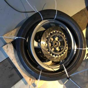 バイエルン発動機製小型二輪車、フロントタイヤ交換の巻き。