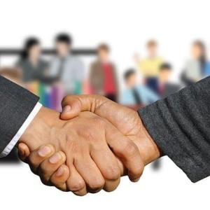 法改正に伴い派遣や契約社員は条件を会社にガンガン交渉すべきです【同一労働同一賃金】