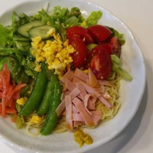 昼食は簡単リメイク料理(冷やし中華・焼きそば)😋