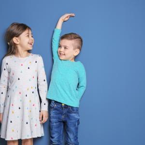 子どもの身長を伸ばすに有効な方法10選とオススメの食材を紹介