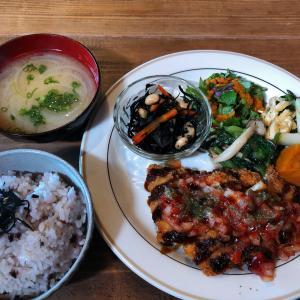 大多羅駅と西大寺駅の間 カフェ THE CHAYA(ザ チャヤ)は、素材を生かした自然食品のランチで人気!
