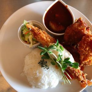 高島駅から1㎞ 美味しい洋食のランチが食べられる、懐古喫茶Sakura umi(桜海)は、カレーも人気!