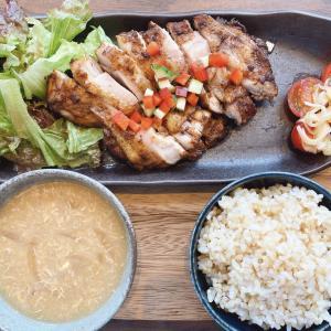 西川原駅から車で3分 マルゴカフェ OHKハウジング店で頂くランチは、ヘルシーで美味しい週替わり定食とジャークチキン定食!