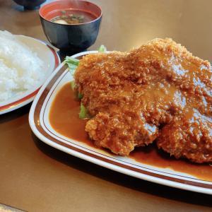 津山総合体育館から徒歩4分 洋食の店【むぎわらぼうし】の2回目訪問のランチはデカ盛りチキンカツに挑戦!美味しくて完食・・・