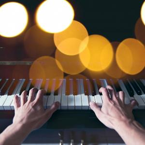 最近はまっているYouTube あなたもハマる!ハラミちゃんの感動的なピアノの音色を紹介
