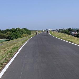 荒川サイクリングロードの羽根倉橋から上流が開通 榎本牧場までを紹介 この走りやすさはたまりません
