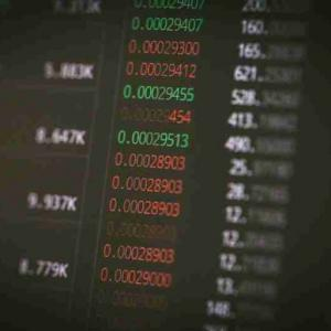 副業で稼ぐのは難しい|株式投資ならまだ稼げるチャンスがある!