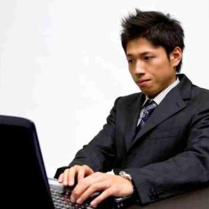 ブログライターは稼げる?続けることで稼げる副業に大変身!