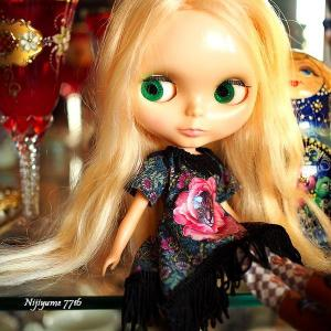 Kenner Blythe Honey Blonde 3