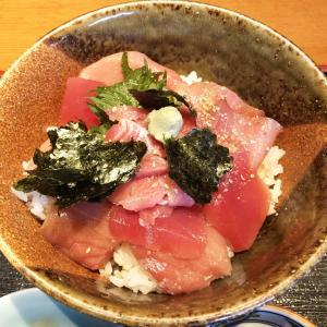 新鮮な魚介類の定食をお得にいただける和食店