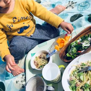 ポカポカ日和は娘と庭でランチ~子供との食事時間を自分のリラックスタイムに~