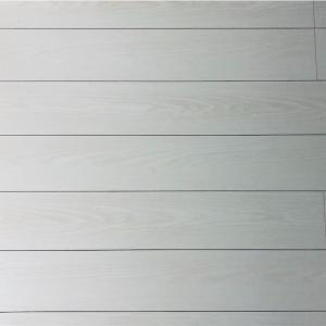 白い床は汚れが目立つ…けどそれがいい!デメリットをメリットに。