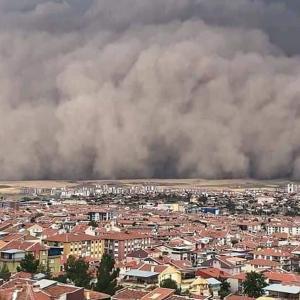 ★トルコ首都で巨大砂嵐