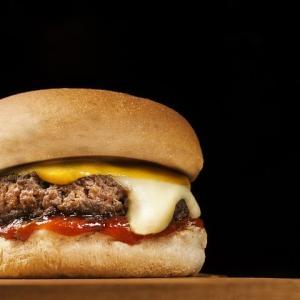 あのお店の月見バーガーを再現!決めてはソース!?レシピをご紹介!