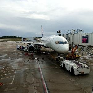 「797」中距離便の未来 ボーイングが開発予定の飛行機はどういうものなのか。