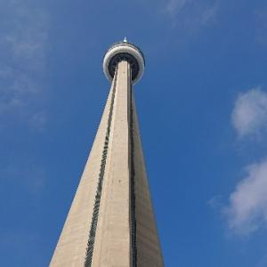CNタワーの展望台を大紹介 トロント観光「価格は?」「景色は?」