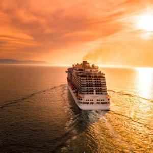 【夢占い】船の夢の意味|船に乗るのは人生の転機をあらわす!?