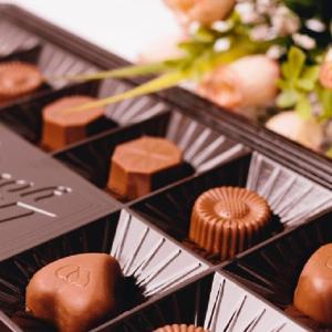 バレンタインデーやホワイトデーに贈るお菓子の意味|渡すのがNGのお菓子もある!?