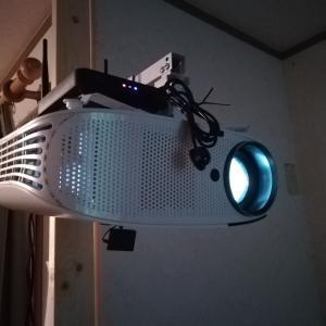 テレビがわりに液晶プロジェクター
