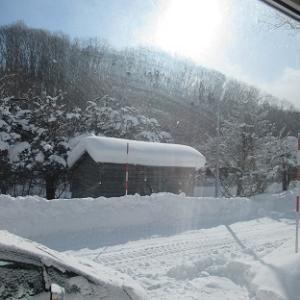 雪下ろし・・・