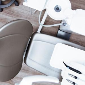 歯ぎしりは歯槽膿漏になる原因か?