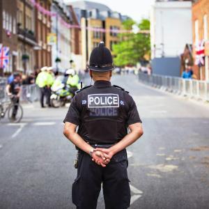 職業が警察官なら新型コロナ感染者・報道は容赦ナイ?