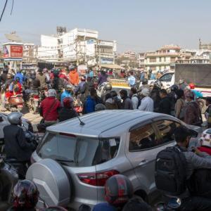 ネパールは国のためなら国民の益は捨てる-通行禁止第2弾!