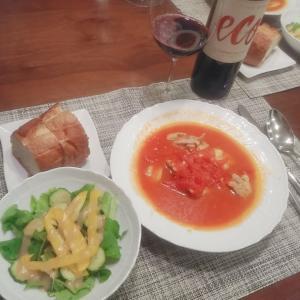 鶏のサフラントマト煮込み