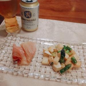 タケノコとアスパラのバター焼きとミートソーススパゲティ