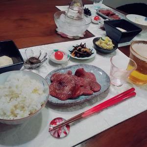 牛タンととろろと日本酒
