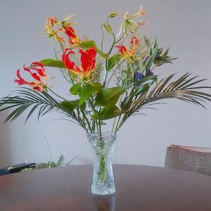 7月後半のお花と、プッタネスカランチ