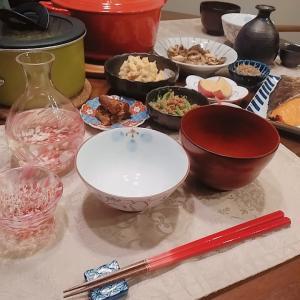 豚汁と色々おかずと日本酒